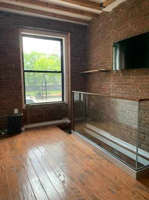 2 Bedrooms, Two Bridges Rental in NYC for $3,200 - Photo 1