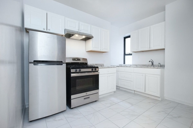 3 Bedrooms, Chelsea Rental in NYC for $4,595 - Photo 2