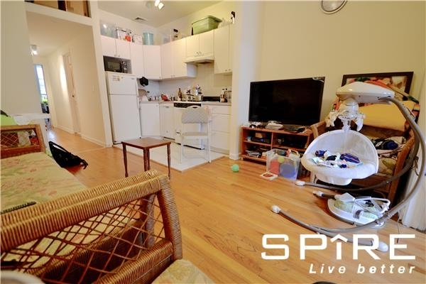 2 Bedrooms, Hell's Kitchen Rental in NYC for $3,111 - Photo 1
