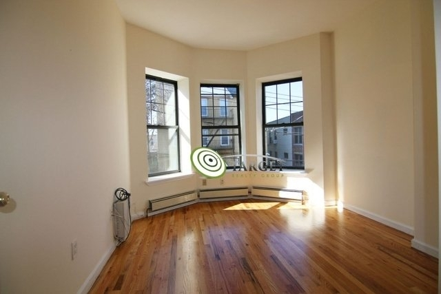 2 Bedrooms, Glendale Rental in NYC for $1,800 - Photo 1