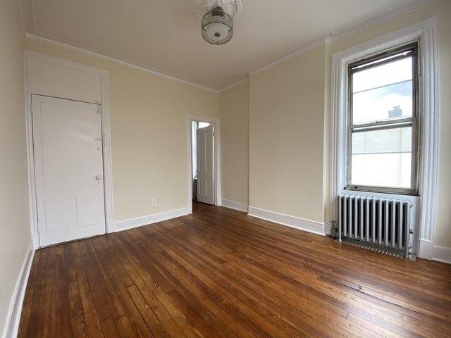 1 Bedroom, Ridgewood Rental in NYC for $2,100 - Photo 2