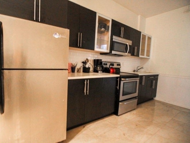 3 Bedrooms, Bushwick Rental in NYC for $2,575 - Photo 2