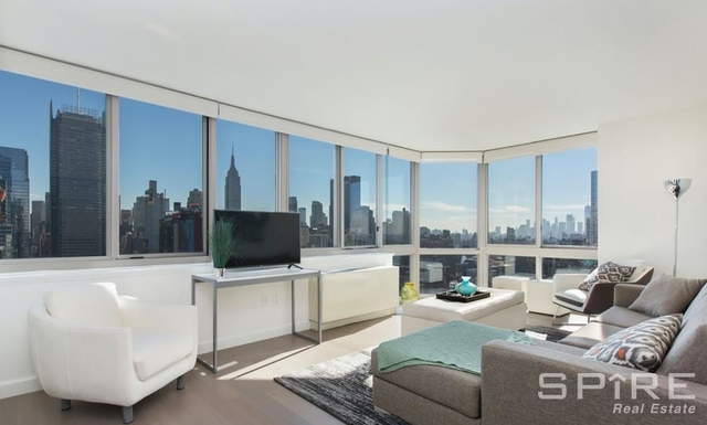 2 Bedrooms, Hell's Kitchen Rental in NYC for $5,422 - Photo 1