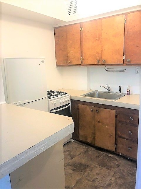 Studio, South Slope Rental in NYC for $1,499 - Photo 2