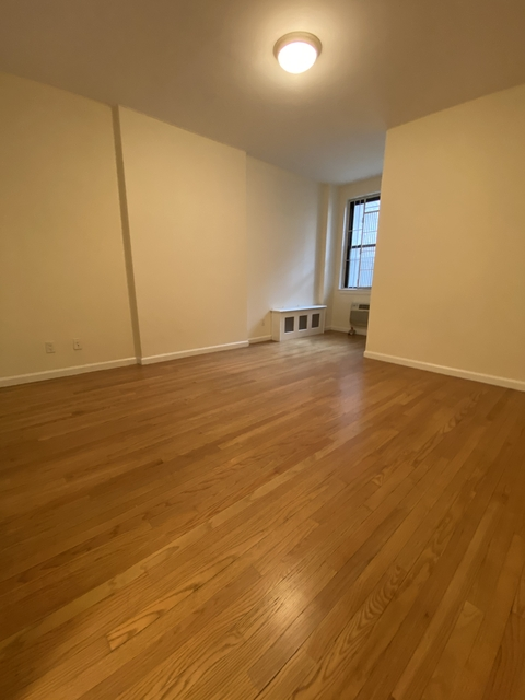 Studio, Yorkville Rental in NYC for $2,460 - Photo 2