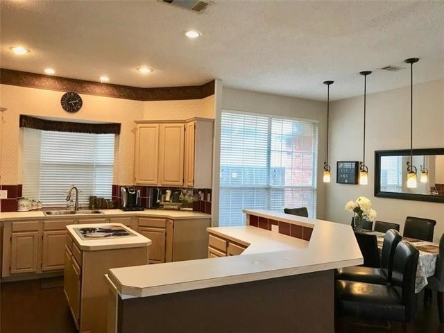3 Bedrooms, Oak Canyon Rental in Dallas for $2,390 - Photo 1