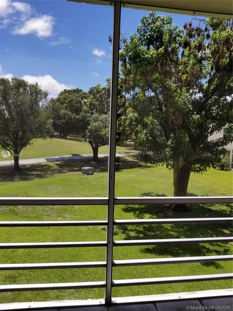 2 Bedrooms, Pine Island Ridge Rental in Miami, FL for $1,650 - Photo 1