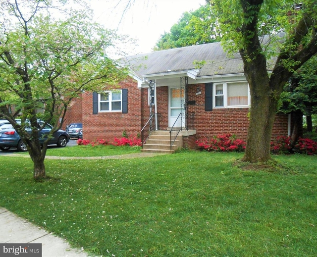 3 Bedrooms, Bluemont Rental in Washington, DC for $3,400 - Photo 2