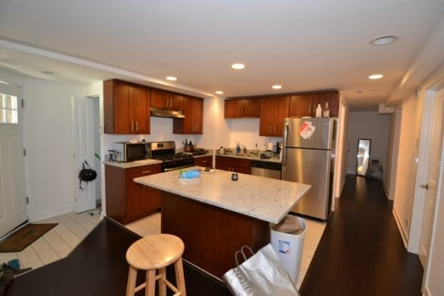 3 Bedrooms, Bucktown Rental in Chicago, IL for $2,495 - Photo 2