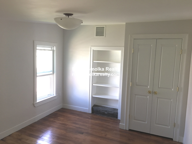 5 Bedrooms, Bank Square Rental in Boston, MA for $3,850 - Photo 1