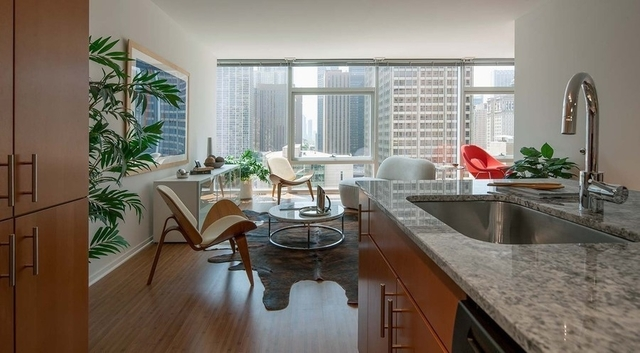 2 Bedrooms, Streeterville Rental in Chicago, IL for $3,631 - Photo 1