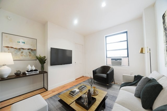 1 Bedroom, Alphabet City Rental in NYC for $2,375 - Photo 1