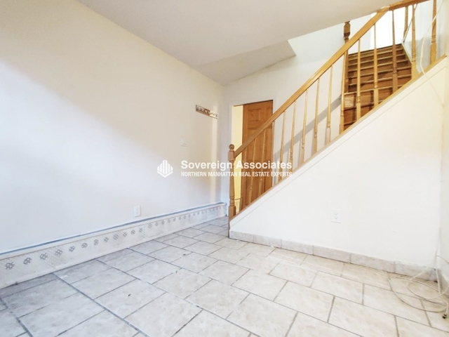 2 Bedrooms, Morningside Heights Rental in NYC for $2,700 - Photo 1