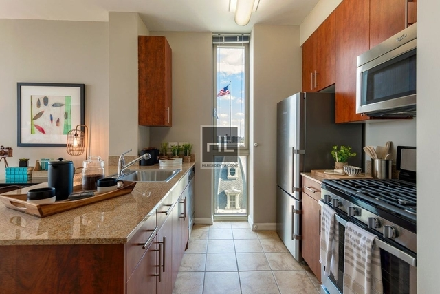1 Bedroom, Roosevelt Island Rental in NYC for $3,277 - Photo 2