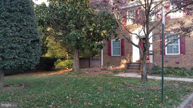 3 Bedrooms, McLean Rental in Washington, DC for $3,200 - Photo 1