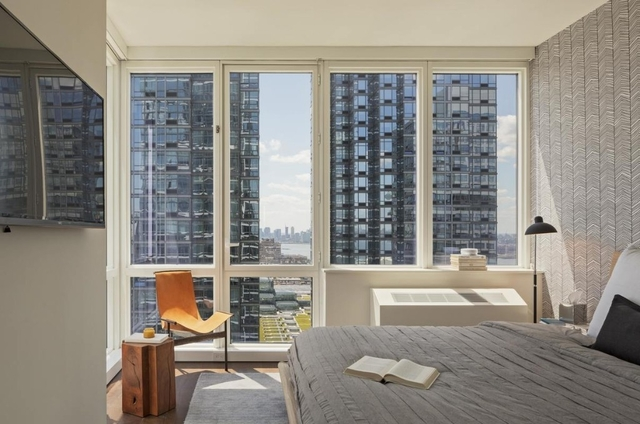 2 Bedrooms, Hell's Kitchen Rental in NYC for $6,913 - Photo 1