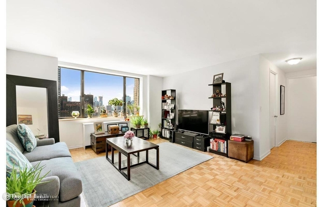 1 Bedroom, Lincoln Square Rental in NYC for $4,300 - Photo 1