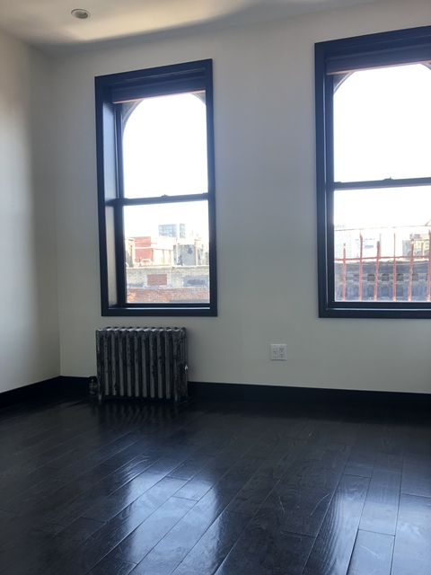 2 Bedrooms, Little Italy Rental in NYC for $3,125 - Photo 2