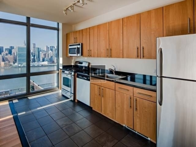 1 Bedroom, Hunters Point Rental in NYC for $3,566 - Photo 2