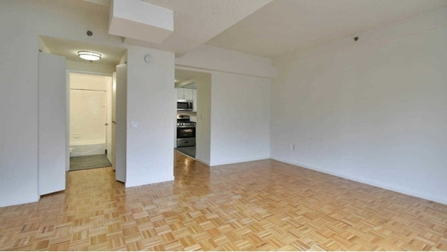 Studio, Hell's Kitchen Rental in NYC for $3,142 - Photo 1