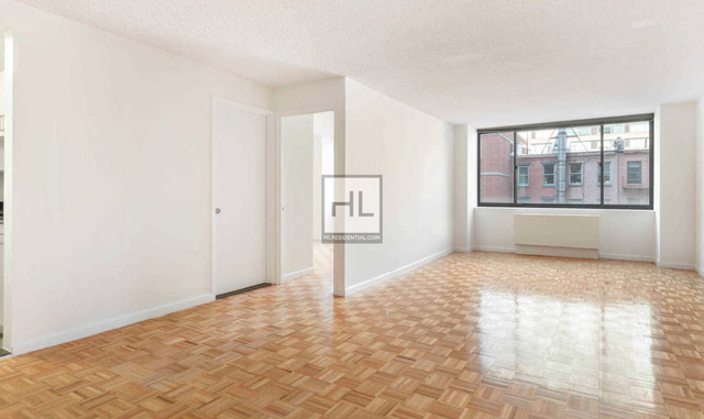 Studio, Hell's Kitchen Rental in NYC for $3,142 - Photo 2