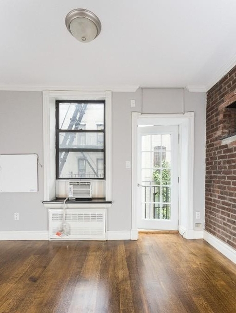 2 Bedrooms, Chelsea Rental in NYC for $4,695 - Photo 2