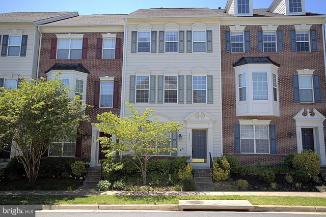 3 Bedrooms, Prince William County Center Rental in Washington, DC for $2,300 - Photo 1