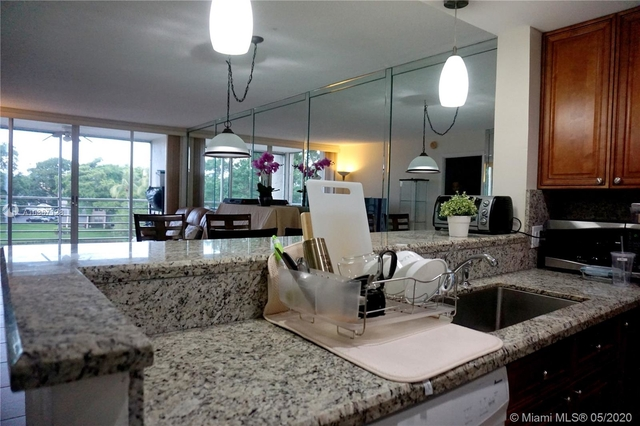 2 Bedrooms, Pine Island Ridge Rental in Miami, FL for $1,550 - Photo 1