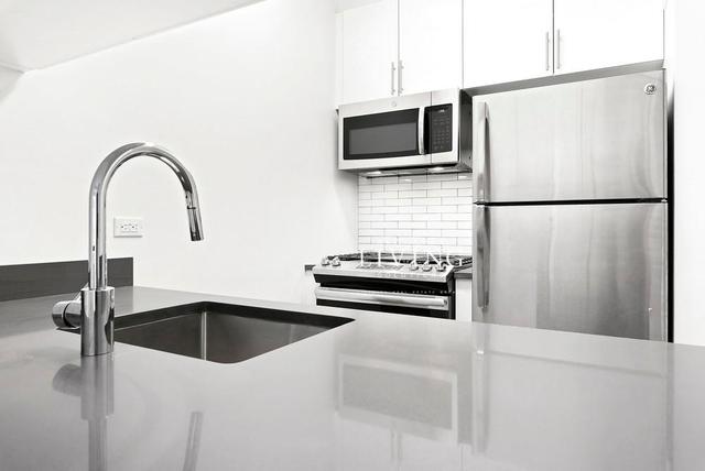 Studio, Yorkville Rental in NYC for $2,699 - Photo 2