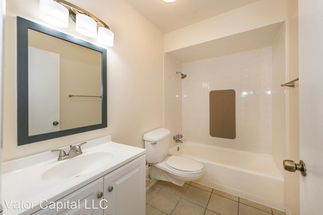 2 Bedrooms, East End Historic District Rental in Houston for $1,050 - Photo 2