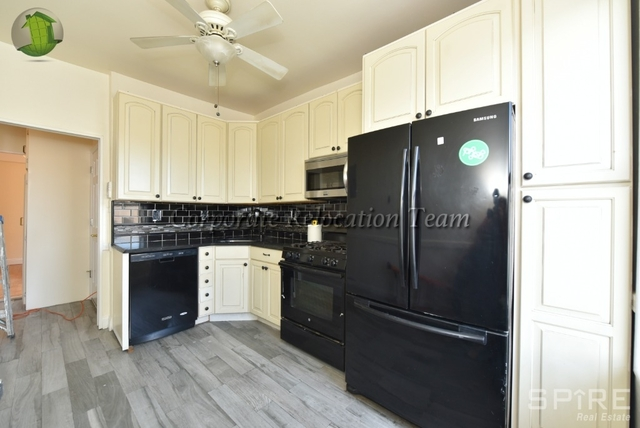3 Bedrooms, Astoria Rental in NYC for $2,567 - Photo 1