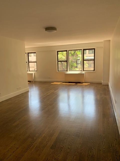 2 Bedrooms, Upper East Side Rental in NYC for $5,907 - Photo 1