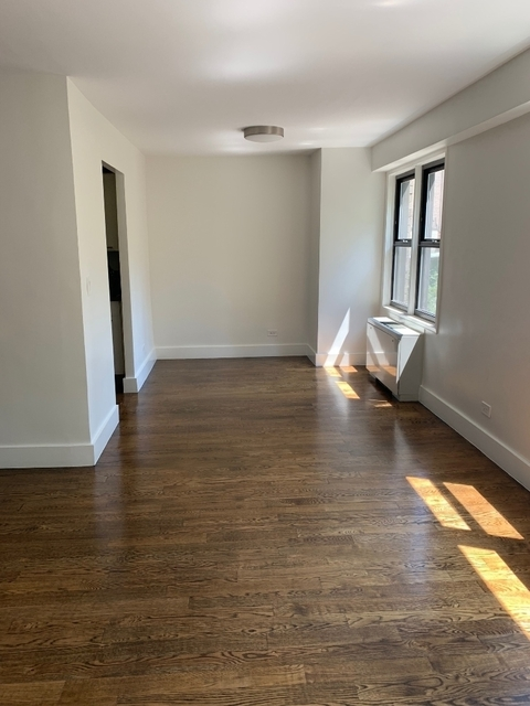 2 Bedrooms, Upper East Side Rental in NYC for $5,907 - Photo 2