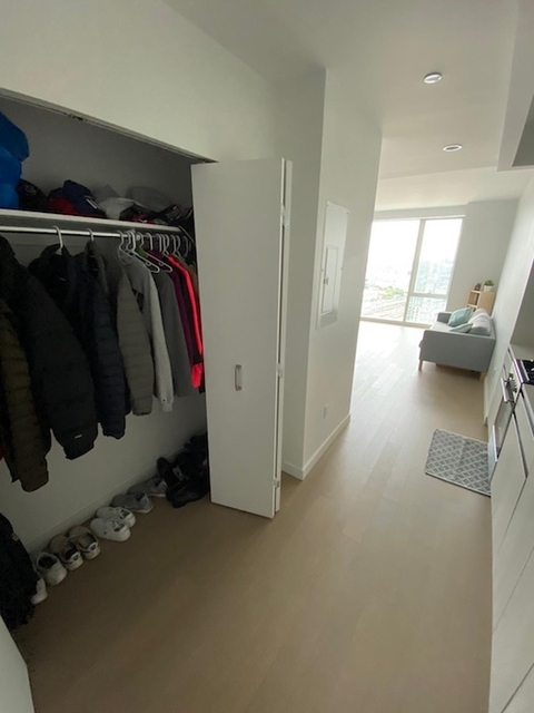 1 Bedroom, Long Island City Rental in NYC for $3,650 - Photo 2