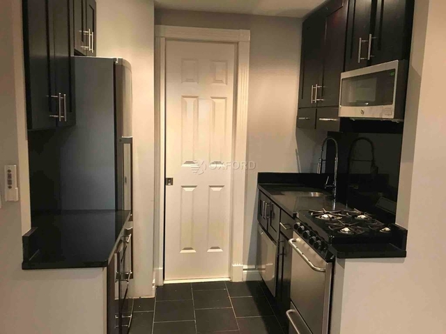 1 Bedroom, Hell's Kitchen Rental in NYC for $2,672 - Photo 2