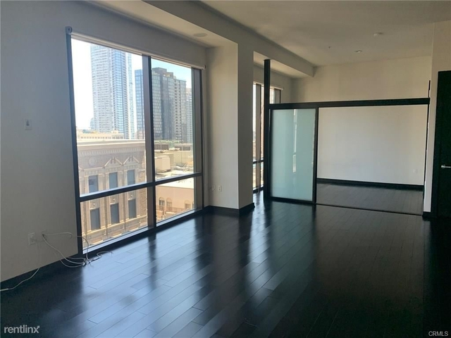 2 Bedrooms, Financial District Rental in Los Angeles, CA for $3,000 - Photo 1
