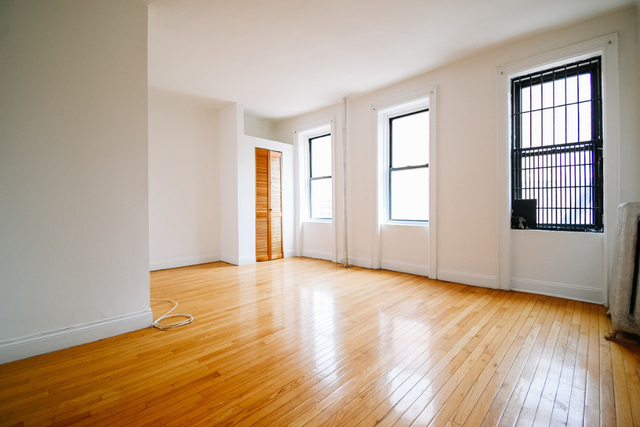 2 Bedrooms, Morningside Heights Rental in NYC for $3,300 - Photo 2