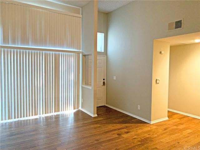 2 Bedrooms, Sherman Oaks Rental in Los Angeles, CA for $2,795 - Photo 2