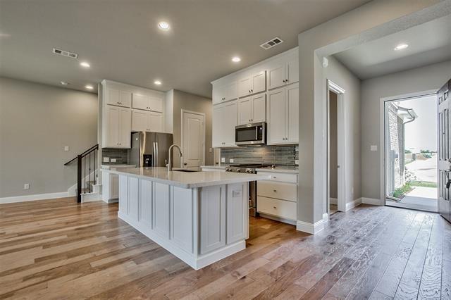 3 Bedrooms, North Central Dallas Rental in Dallas for $2,595 - Photo 2