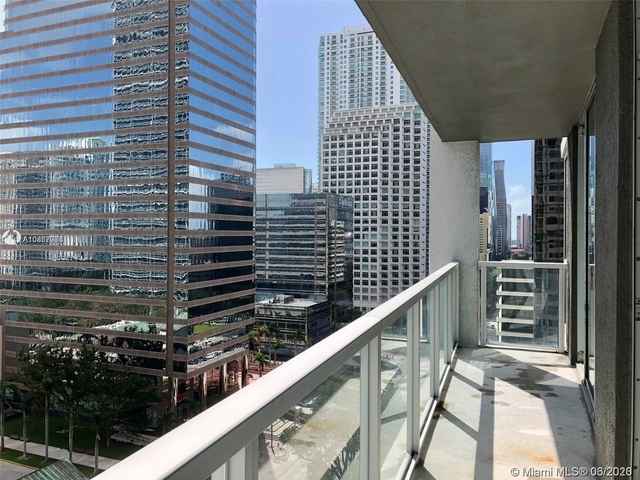 2 Bedrooms, Miami Financial District Rental in Miami, FL for $2,600 - Photo 2