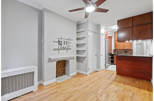 1 Bedroom, Yorkville Rental in NYC for $2,999 - Photo 2