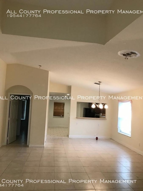 3 Bedrooms, Pleasant Heights Rental in Miami, FL for $1,650 - Photo 2