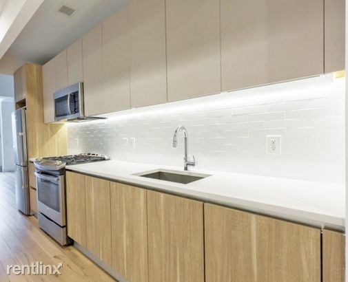 2 Bedrooms, Long Island City Rental in NYC for $5,394 - Photo 2