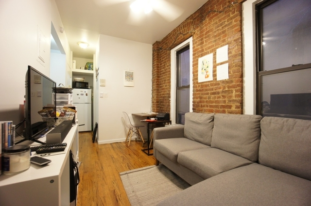 2 Bedrooms, Hell's Kitchen Rental in NYC for $2,595 - Photo 2