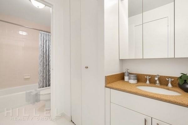 1 Bedroom, Theater District Rental in NYC for $3,785 - Photo 2