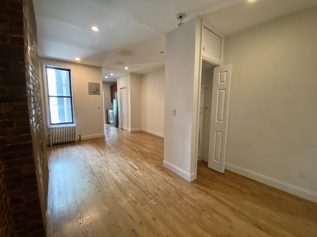 Studio, Yorkville Rental in NYC for $2,195 - Photo 1