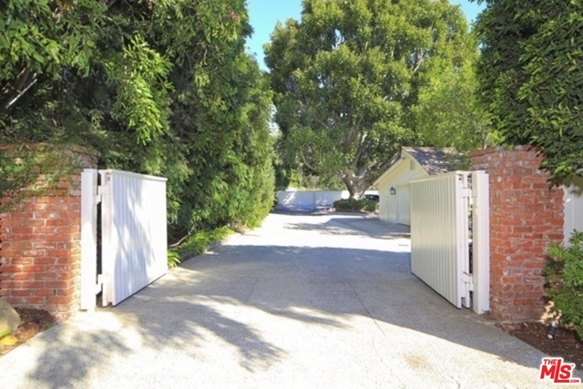 5 Bedrooms, Brentwood Rental in Los Angeles, CA for $50,000 - Photo 2