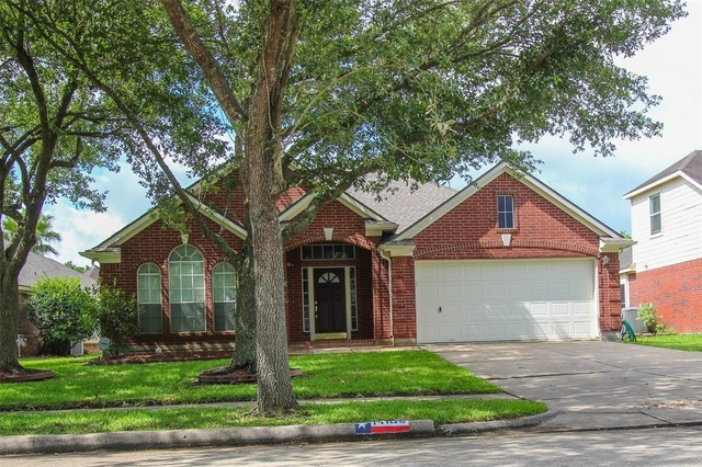 3 Bedrooms, Bay Pointe Rental in Houston for $1,800 - Photo 2