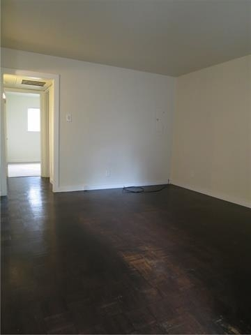 2 Bedrooms, North Oaklawn Rental in Dallas for $1,200 - Photo 2