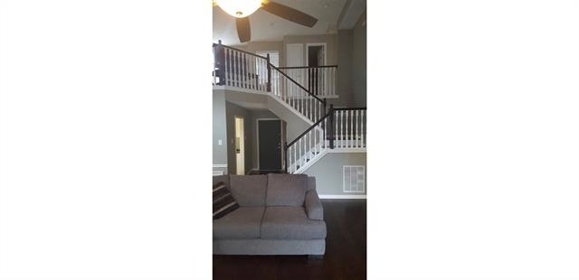 3 Bedrooms, Old Mill Court Rental in Dallas for $1,950 - Photo 2